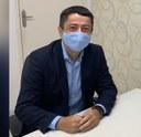 """""""A gente tem que trabalhar para combater a pandemia"""", desabafa Fabiano Oliveira"""
