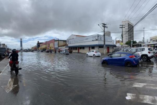 Anderson de Tuca adverte Emurb e Emsurb para aproximação de período chuvoso na capital