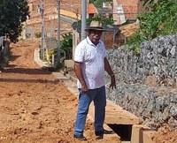 Bigode mais uma vez fiscaliza obras no Santa Maria