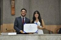 Cantora Patrícia Sandes recebe título de Cidadã Aracajuana