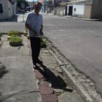 Dr. Gonzaga pede conserto urgente na praça Teotônio Vilela