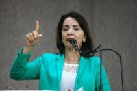 """""""É do transporte coletivo que sai a contaminação para todos os setores"""", afirma Emília"""