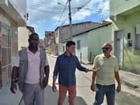 Em nova visita, Palhaço Soneca e representante da Emurb verificam problemas no São Conrado