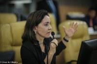 Emília Corrêa: Não consigo andar sem cumprir minha palavra, principalmente quando a política é rasteira