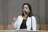 Emília lembra que o vereador é o fiscal dos atos do Executivo