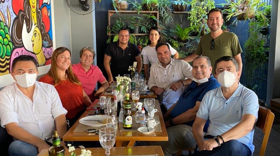 Fabiano Oliveira almoça com empresários para debater pautas voltadas para o turismo