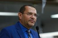 Juvêncio Oliveira solicita serviço de tapa-buraco para o bairro Jabotiana