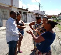 Moradores do Conjunto Maria do Carmo buscam ajuda de Dr. Manuel Marcos