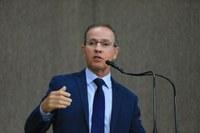 Nitinho defende gestão municipal e esclarece questão dos aditivos em obras
