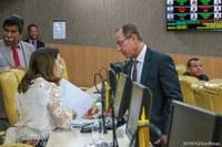 Nitinho recolhe assinaturas dos vereadores para reduzir recesso parlamentar
