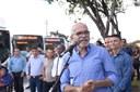 Palhaço Soneca participa da entrega de 26 novos ônibus e pede prioridade para zona norte de Aracaju