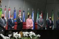 Parlamentares empossam prefeito e vice-prefeita de Aracaju