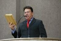 Pastor Alves convida a todos para participar da Sessão Especial em homenagem ao Dia da Bíblia