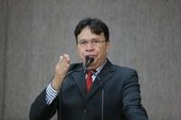 Pastor Alves pede mais cuidado da Prefeitura com a jardinagem em Aracaju