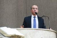 Presidente da Câmara cancela uso de carros e combustível pelos vereadores em abril