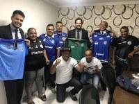 """Thiaguinho Batalha recebe grupo de torcedores """"Em Prol do Confiança"""""""