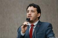 Vereador Camilo se posiciona em defesa do Orgulho LGBTI+