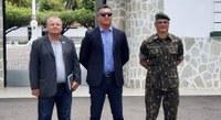 Vereador Zezinho visita novo comandante do 28º Batalhão de Caçadores